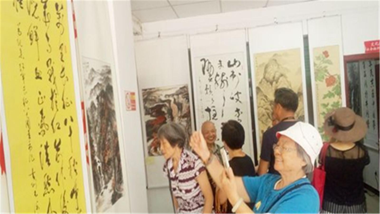 吉安市老年书画协会举办书画展 作品尽显风采