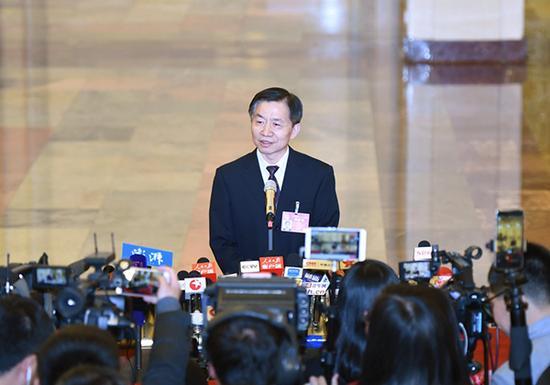 民政部长黄树贤:放开养老市场 加快养老院建设