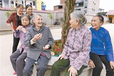 农村留守老人养老难题如何破?湖北9部门联合出台方案