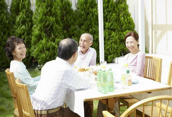 甘肃省人民政府办公厅关于制定和实施老年人照顾服务项目的实施意见